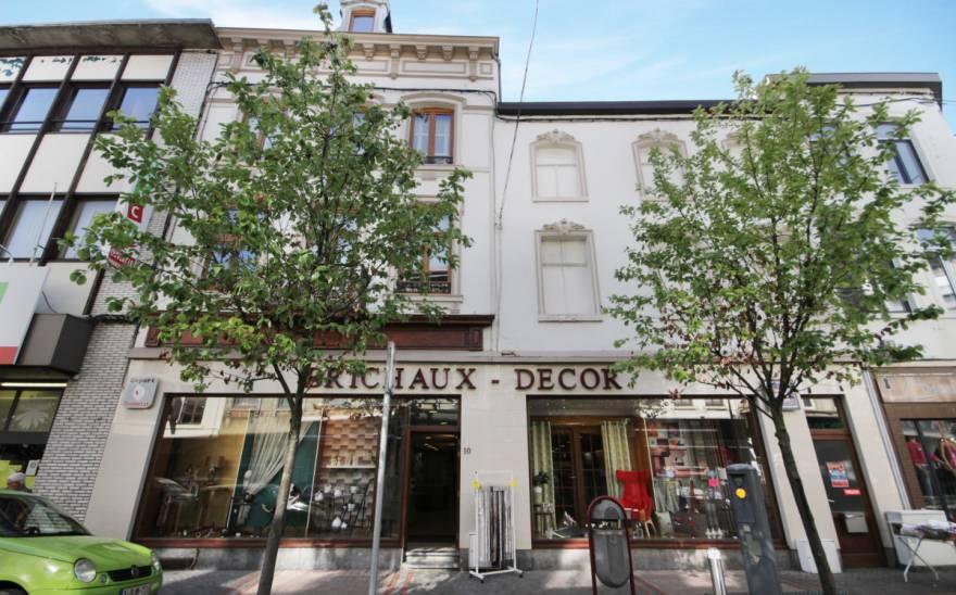 Immeuble commercial en Vente à Chatelet