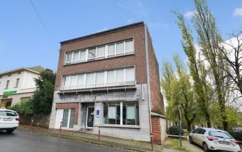 Rez-de-chaussée commerciaux en Location non meublée à Montigny-le-tilleul