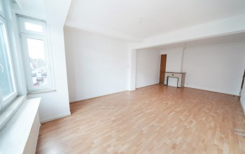 Appartement en Vente à Mont-sur-marchienne