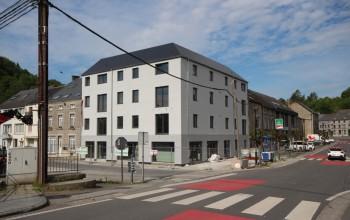 Immeuble commercial en Biens AV à Nismes