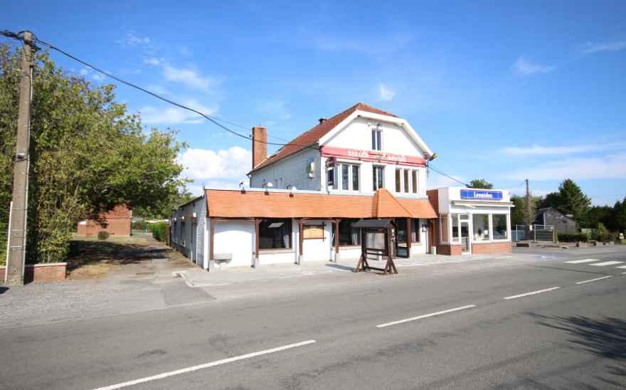 Immeuble commercial en Biens AV à Sivry-rance