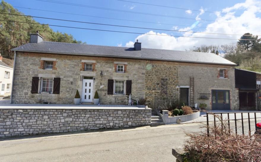 Maison en Vente à Walcourt